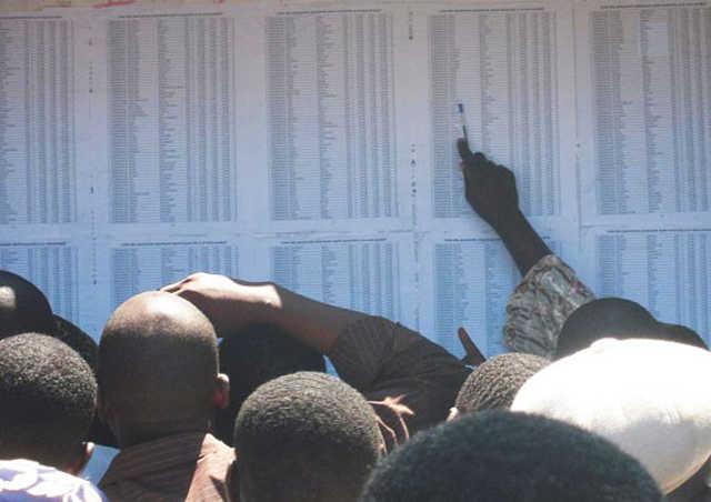 Togo, Présidence à vie imposée par la baconnette, le revers de la monnaie : Pays ingouvernable, incivisme, fonction publique en déconfiture, mafia au sommet