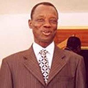 Togo, Commission de réflexion sur les réformes : Après le passage d'Awa Nana à Elavagnon, le Col. Bitenewe menace des intervenants
