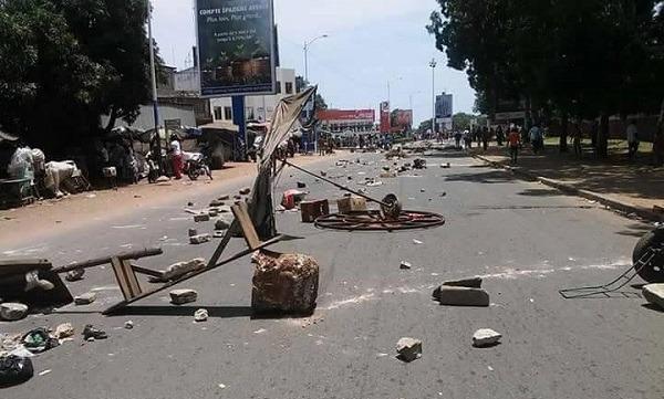 Les jeunes déversent leur colère dans les rues de Lomé                                                                             5 octobre 2017