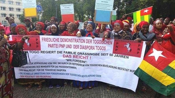 Les Togolais maintiennent l'arme des manifestations de rue 27 octobre 2017
