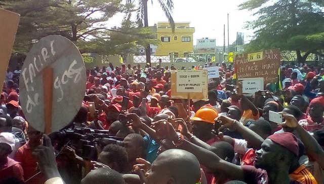 Togo : Manifs de la diaspora à Lagos au Nigeria, et à Cotonou au Bénin