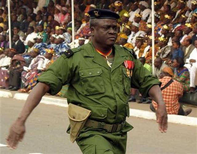 Togo : Et Pendant ce Temps le Peuple Bassar Regarde…