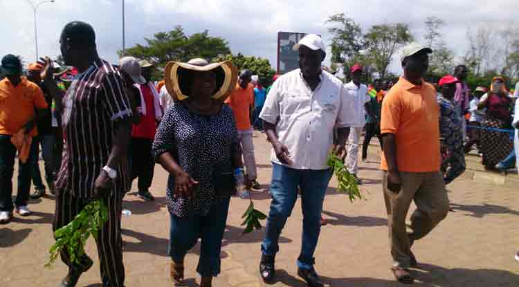 Des milliers de Togolais dans les rues ce samedi 18 Novembre contre le régime du président Faure Gnassingbé 18 novembre 2017