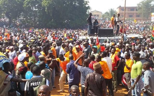 Togo, les Marches : La Pomme de Discorde ?