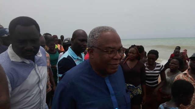 Togo : Une baleine morte échouée sur la plage d'Aného finit dans les assiettes ?