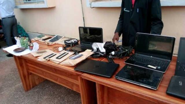 Togo, Faits divers : Macabres découvertes chez un féticheur à Ahépé. Deux « Gay-men » béninois lynchés à Kpogan et 13 extradés au Bénin