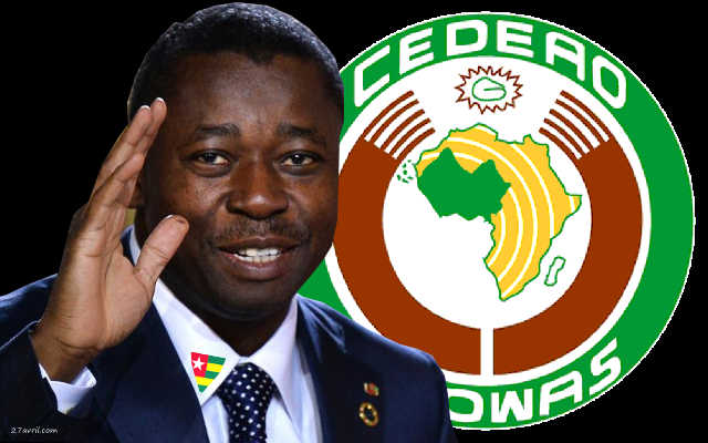 Faure Gnassingbé joue au Médecin de la CEDEAO pendant que le Togo meurt