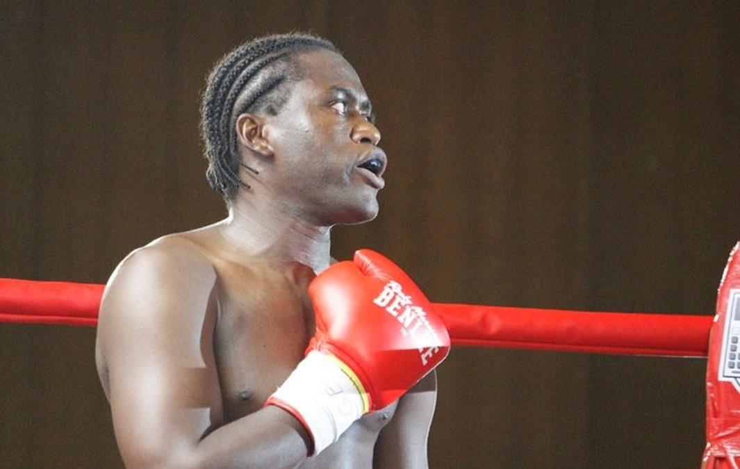 Le boxeur togolais Prinz Lorenzo met ses titres en jeu face à Kumaz Dogan