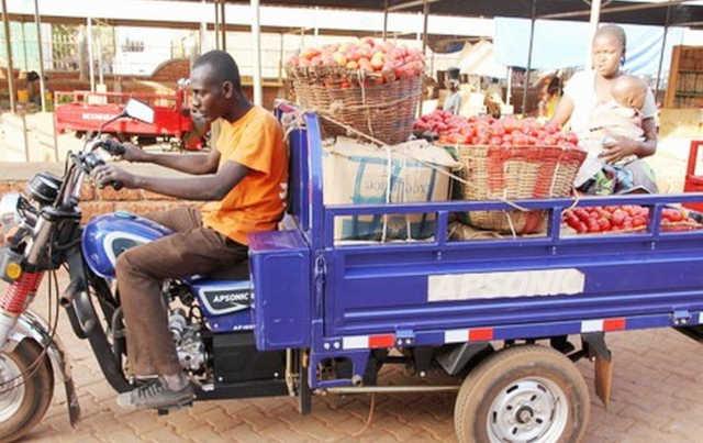 Togo, Transports urbain et péri urbain : Les tricycles, un mal nécessaire ?