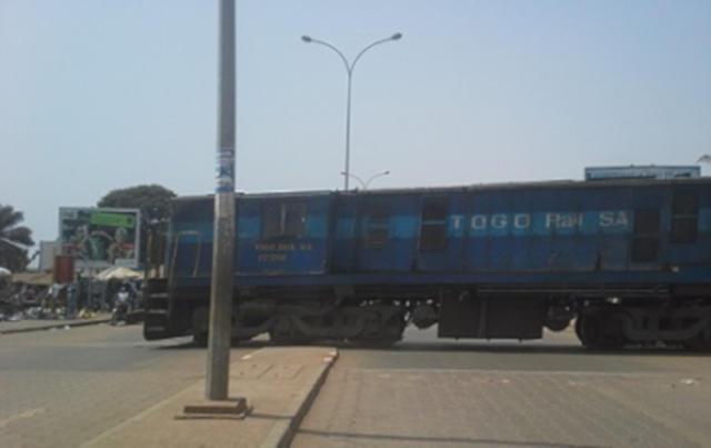 Togo : Non respect des Passages à niveau par les conducteurs de taxi. De l'urgence de sévir