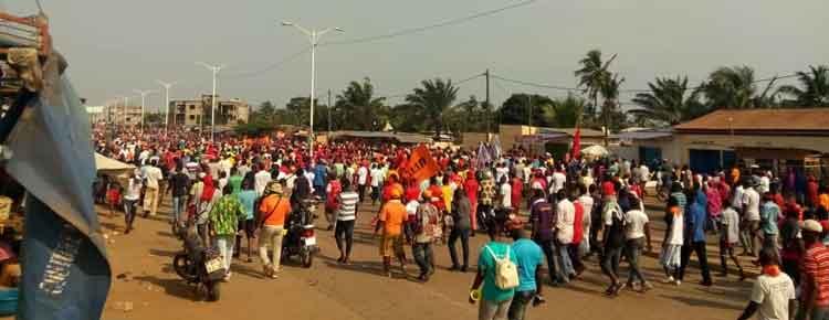Un samedi de marche à Lomé                                                                             1 décembre 2018
