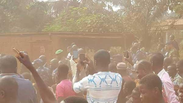Faure Gnassingbé offre la poussière aux populations de Tabligbo                                                                             13 février 2019