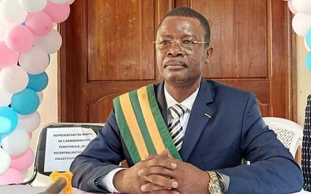 Togo, Contribution à la réalisation du PND : La Fausse générosité du député-maire Kossi Aboka