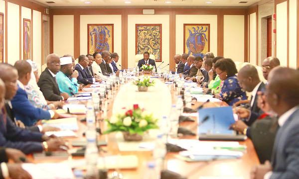 Le gouvernement a tenu ce mercredi son 8ème conseil des ministres : des annonces dans le commerce et la sécurité