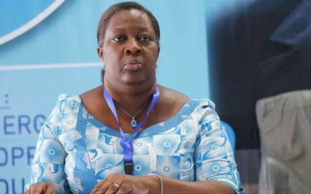 Voici comment Raymonde Kayi Lawson de Souza achète honteusement le vote des populations