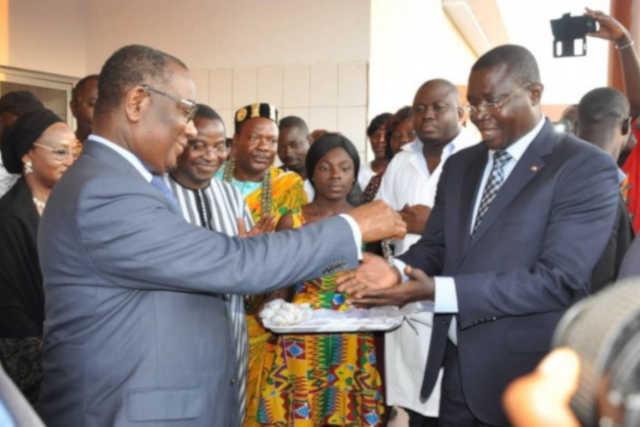 Togo : Sélom Klassou, en campagne  déguisée dans Agoè