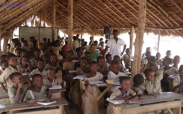 Rentrée scolaire : L'état délabré des établissements scolaires préoccupe Edoh Komi