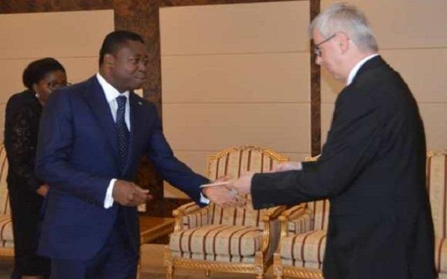 Les nouveaux ambassadeurs d'Allemagne et du Ghana ont officiellement pris fonction