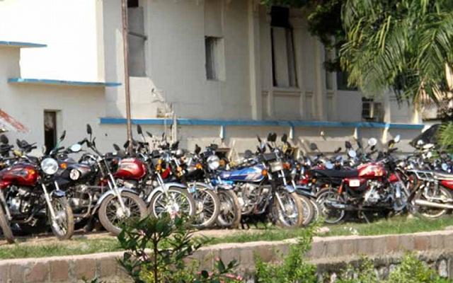 La police togolaise restitue des motos saisies aux propriétaires