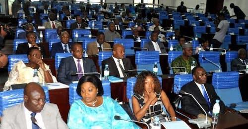 Le parlement adopte un collectif budgétaire pour 2019