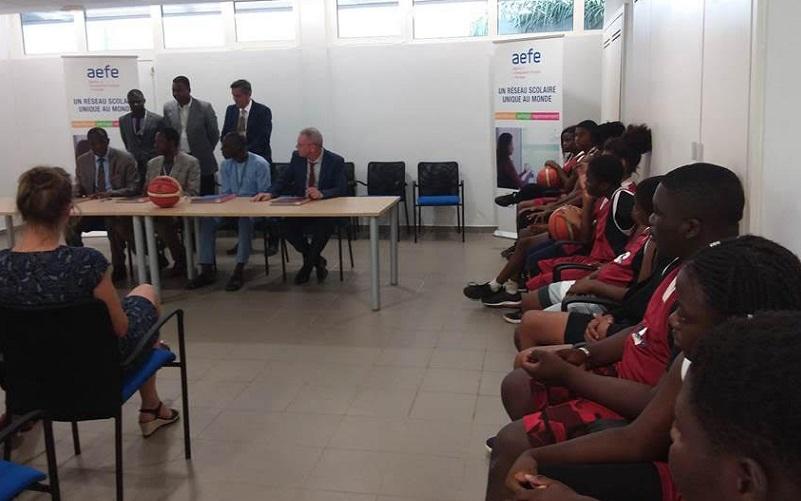 Signature de la convention entre le lycée français de Lomé, le ministère des sports et la fédération togolaise de basketball