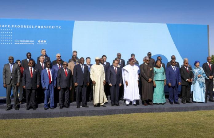 Le Premier ministre prend part en Egypte au forum sur la paix, la sécurité et le développement en Afrique