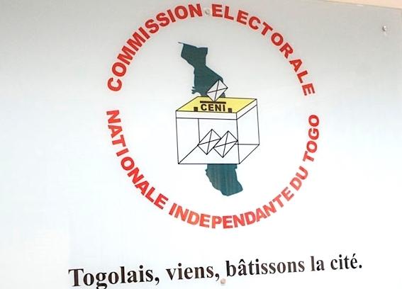 Présidentielle : 10 candidatures enregistrées à la clôture des dépôts