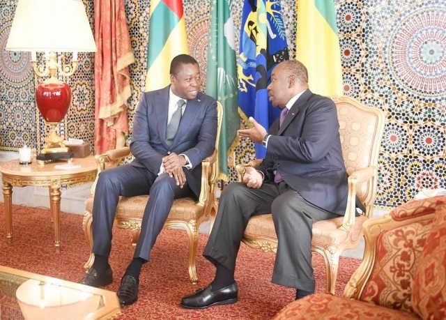 Faure Gnassingbé (g) chez Ali Bongo au Gabon | Photo : RT