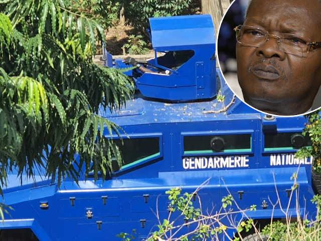 camion blindé de la gendarmerie devant la maison de agbeyome kodjo