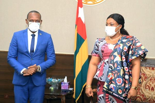 Echanges diplomatiques au Parlement