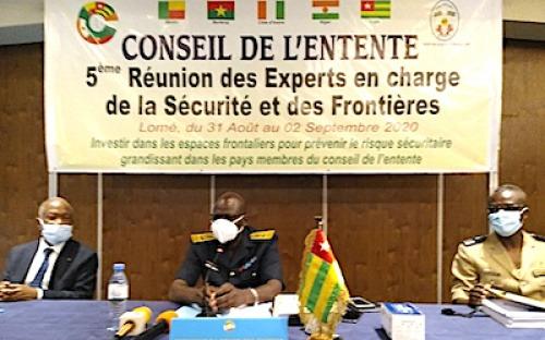 Les experts de la sécurité et des frontières du Conseil de l'Entente en réunion à Lomé