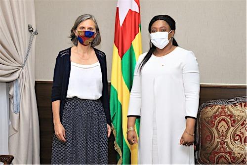 Entretien entre la cheffe du Parlement et l'ambassadrice de France