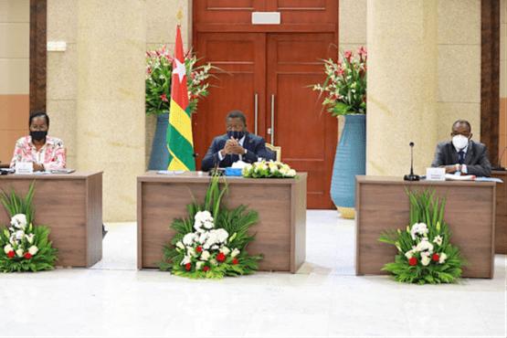 35062b le gouvernement a tenu son 2me conseil des ministres ocb