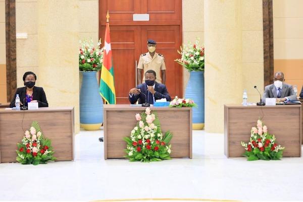4e Conseil des ministres : un avant-projet de loi et trois projets de décret examinés