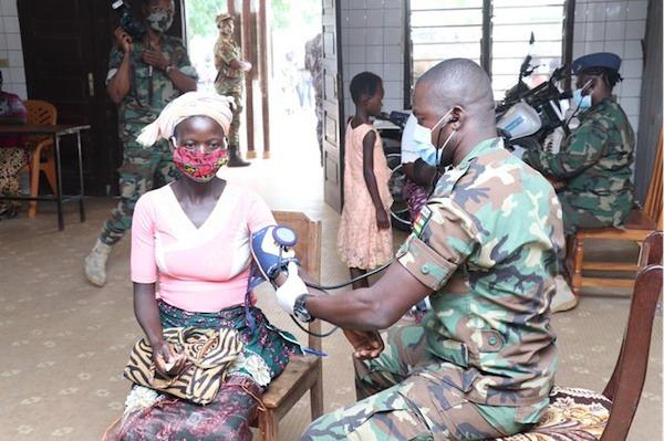 L'armée offre des prestations médicales gratuites aux populations du Nord et du Centre
