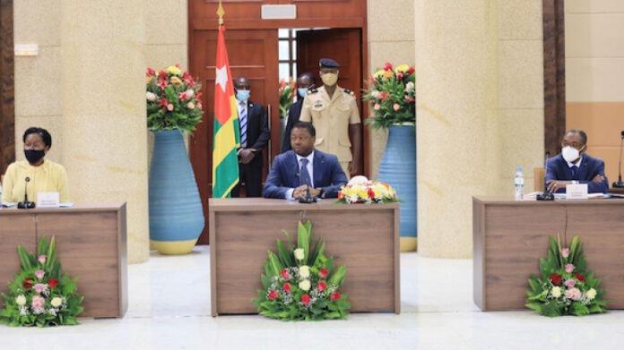 Conseil des ministres : un avant-projet de loi, deux projets de décret et sept communications