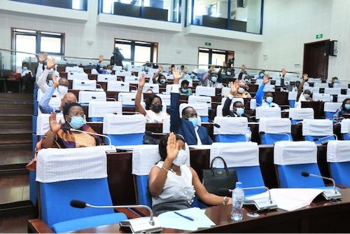 Le Parlement adopte la nouvelle loi organique sur le Médiateur de la République