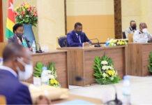Conseil des ministres : un avant-projet de loi, un projet de décret, cinq communications