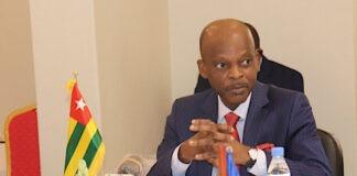 """Robert Dussey : """"le Togo espère recevoir le plus tôt possible le vaccin contre le covid-19"""""""