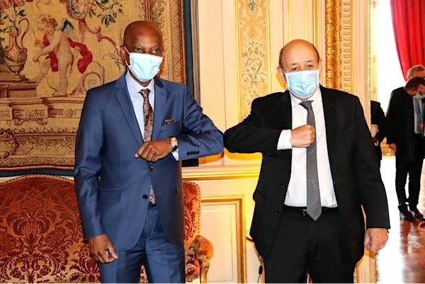 Le ministre des affaires étrangères s'est entretenu avec son homologue français à Paris