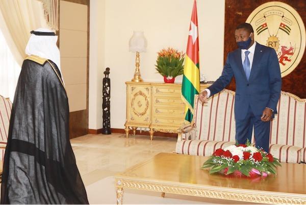 Le nouvel ambassadeur d'Arabie Saoudite officiellement accrédité