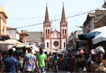 Le Togo va examiner sa politique de transformation économique