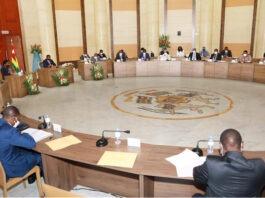 Conseil des ministres : deux projets de décret et trois communications