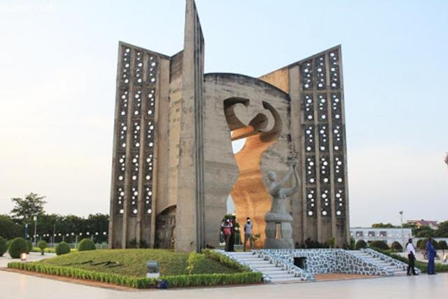 monument de l'independance du togo