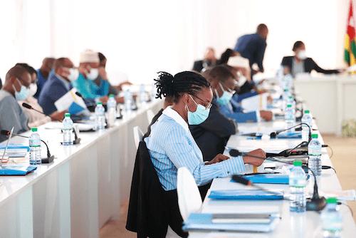 54807 conseil des ministres trois projets de dcret cinq communications et un compte rendu ocb