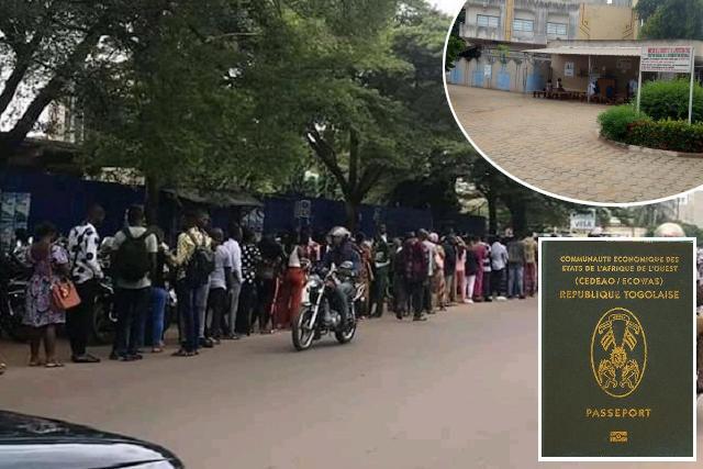 files des jeunes togolais au service des passeports a lome togo