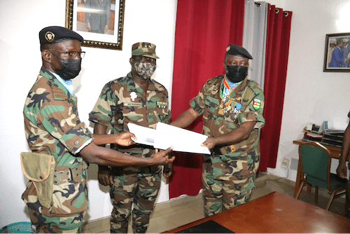58775 maintien la paix nouveau commandant au ceomp ocb