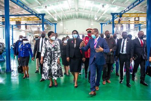 Au Gabon, la Premier Ministre en visite à la Zone économique de Nkok
