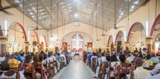 Les lieux de culte et 'grands bars' autorisés à rouvrir
